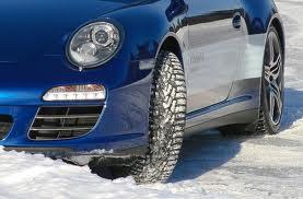 Зимние шины Nokian.